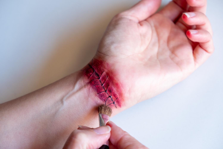 Cómo hacer una herida para halloween