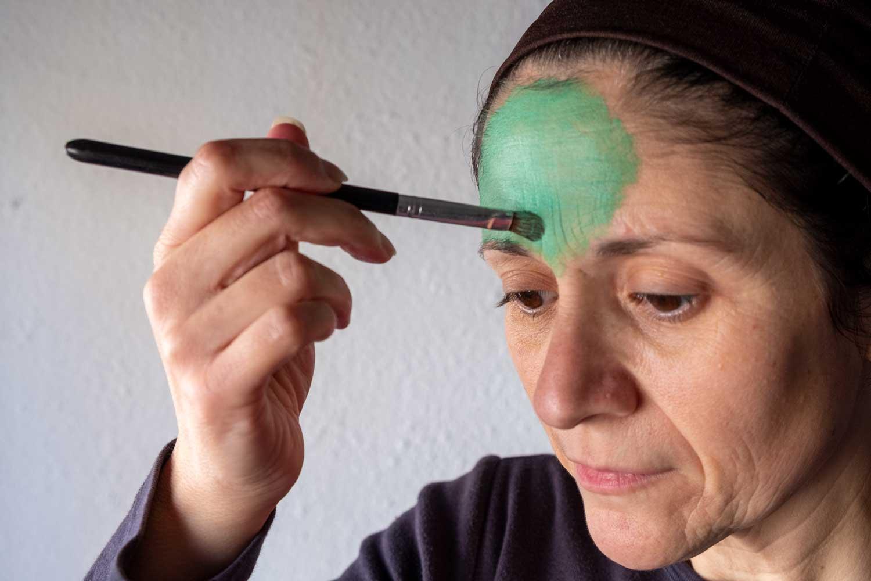 Cómo hacer el maquillaje de El Grinch